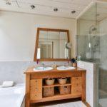 Du bois dans la salle de bains?