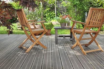 Terrasse et mobilier de jardin.