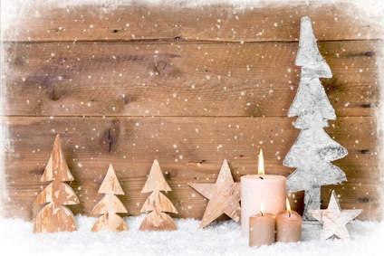 Eléments de décoration de Noël en bois.