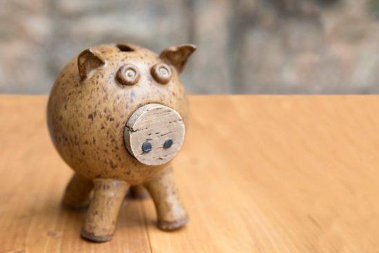 tirelire en bois en forme de cochon